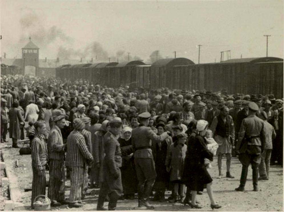 Inmate Stanley Glogover 2nd left, Auschwitz 1944